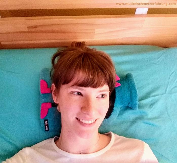 Tipp 1 Auf Wärmflasche schlafen und Muskulatur über Nacht entspannen - Super hilfreiche Dinge bei Muskelschmerzen